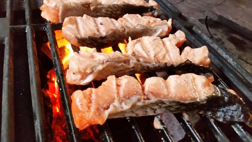Darne de saumon a la maitre d'hotel: French grilled salmon
